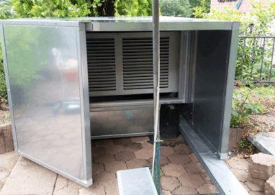 Lärmschutz für Kältegerät eingehaust