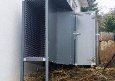 Lärmschutzeinhausung mit Zusatzkanal für Wärmepumpe
